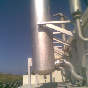 Exhaust gas silencers